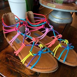 Steven madden girls rainbow sandals